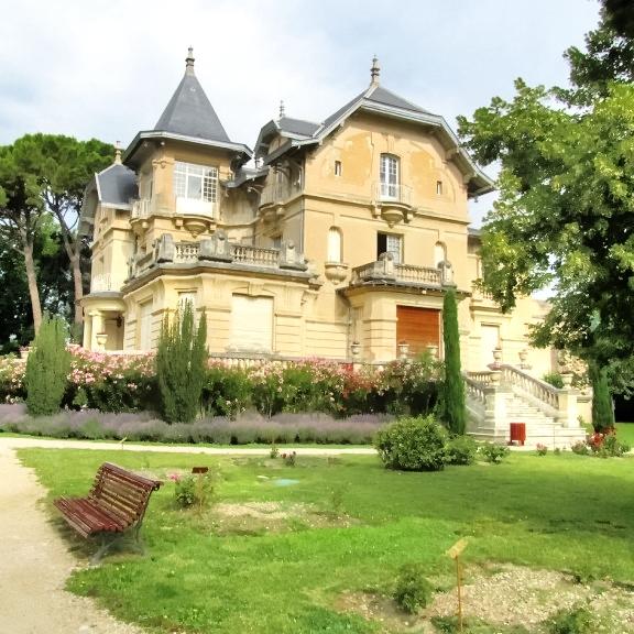 Carpentras – Château de la Roseraie